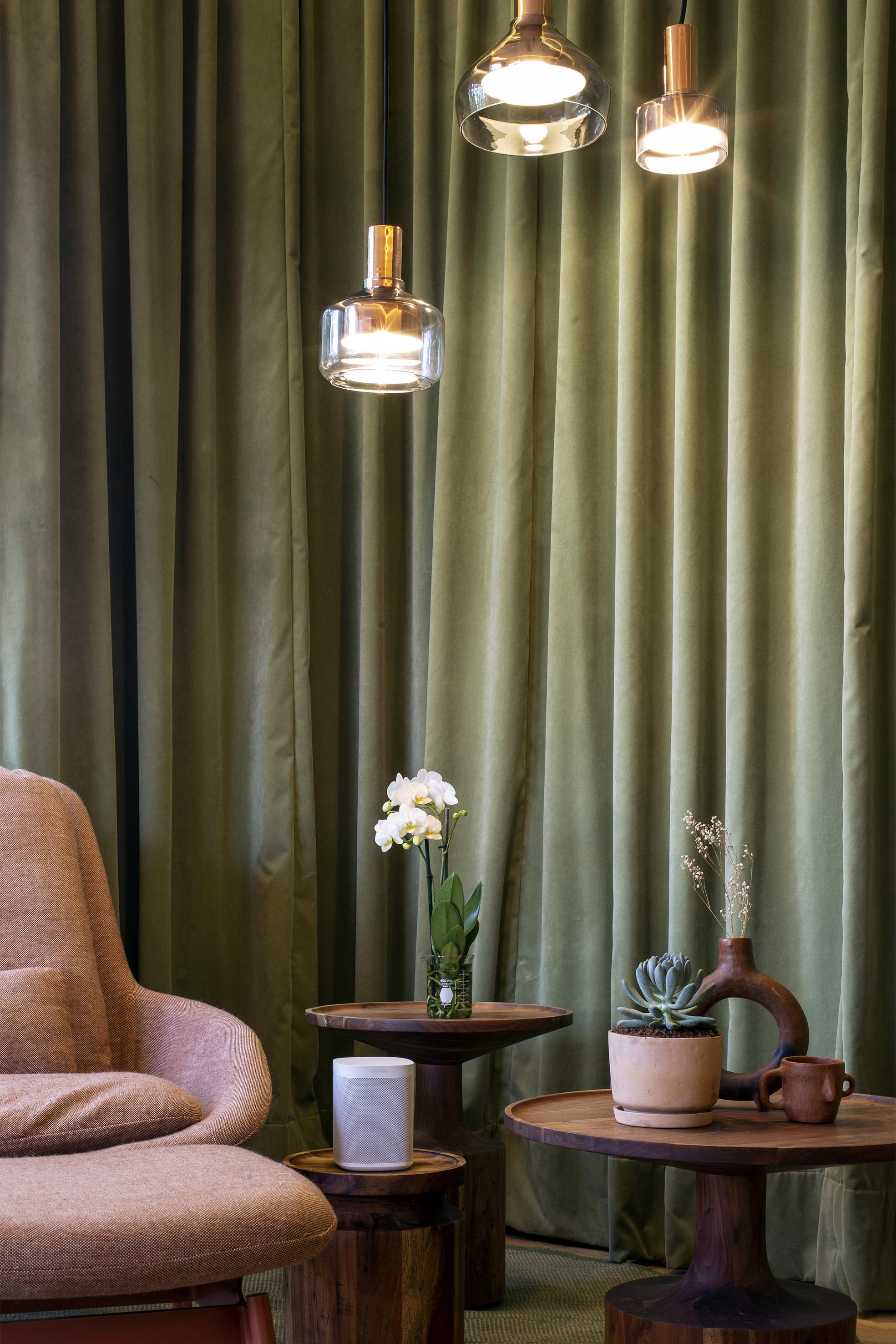One_White-Lifestyle-Living_Room-Q4FY20_MST-MST_JPEG_fid113147